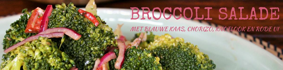 Broccoli salade met ui knoflook blauwe kaas en chorizo. Een lekker, makkelijk & gezond recept voor avondeten.