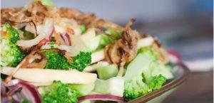 """""""Broccoli salade met appel en walnoten - link naar website"""""""