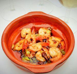 """8x makkelijke tapas - Pil Pil garnalen zwemmend in hete pittige olie vol met knoflook plakje en hete pepertjes - Tapasfeestje - tapas - Mels Feestje"""""""