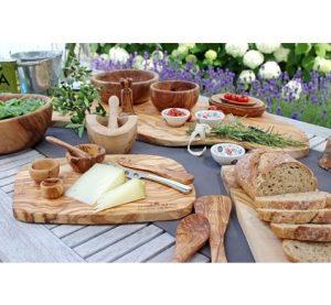 Hartige plank - Tapasfeestje - Pure Olive Wood Tapasplank - blikvanger - olijfhouten tapasplank echt natuurproduct - Affiliate Coolblue - Mels Feestje