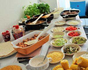 Mexicaanse verjaardagshapjes - tacos buffet bar - Mels Feestje