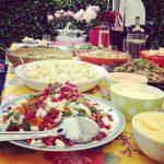 "Tuinfeest - bakken met sausen salades en lekkere dingen als buffet bar - Mels Feestje - zomer hapje"""