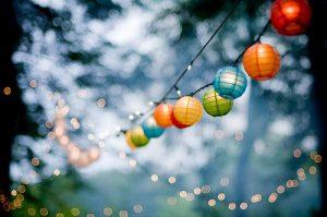 """Versiering van je tuinfeest of elk ander feestje met leuke lampionnen. Mels Feestje"""