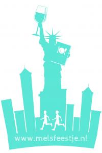 New York het vrijheidsbeeld met een wijnglas en een menukaart - in november gaan we naar Nwe York - NY Marathon - opzoek naar de pareltjes - de beste restaurants wijnbar happy hours en oesters - Mels Feestje