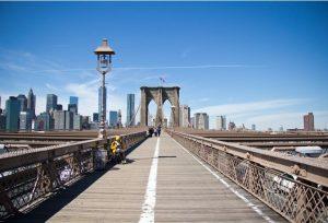 Brooklyn - over die brug MOET gelopen worden - Kijk uit voor fietsers - kan het ook fietsend doen