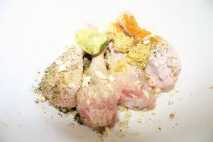"""marinade voor de kip met knoflook mosterd citroen en olie - recept van mijn moeder - voor op de gas BBQ - Mels feestje en Feest hapjes"""""""