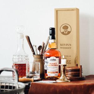 peaky-blinders-whiskeypakket-met-gegraveerde-kist